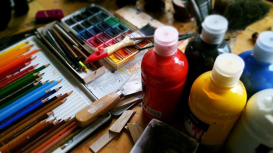 Choix des crayons et pinceaux